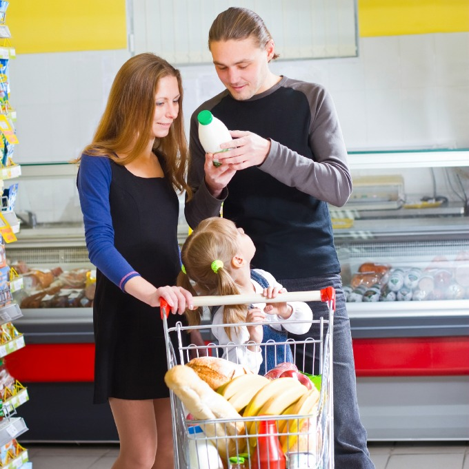 8 Tips for Eating Healthy on a Budget | Milk Means More blog
