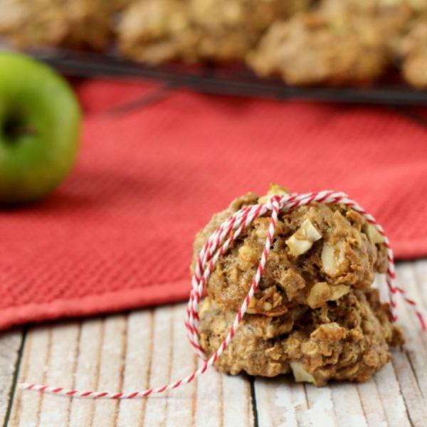 Apple Crisp Breakfast Cookies 600x600