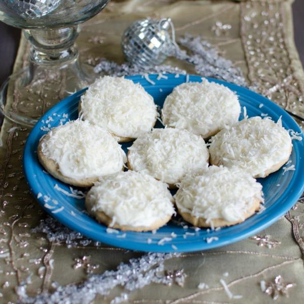 Snowball Cookies 600x600