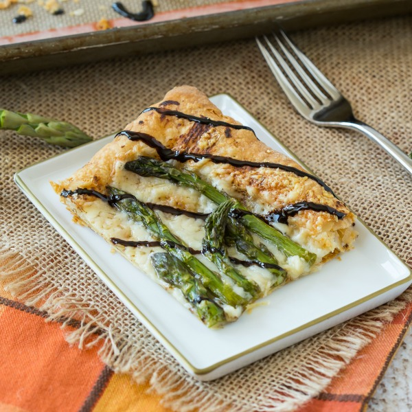 Asparagus Gruyere Tart with Balsamic Glaze-featured image
