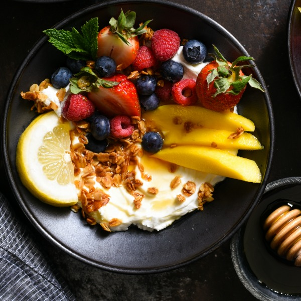 Lemon Cardamom Coconut Granola-featured image