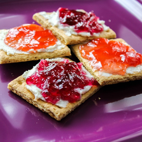 Easy Cheesecake Snackers-featured image